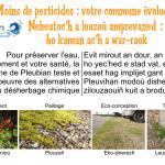 """2 panneaux sur les pratiques communales : """"Moins de pesticides : votre commune évolue"""" et """"Ici votre commune n'utilise pas de désherbant"""""""